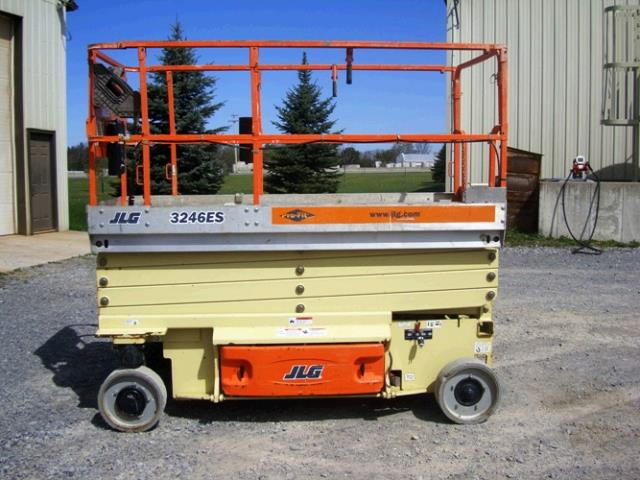 Where to find 32  Scissor Lift Elec JLG 3246ES in Grand Forks